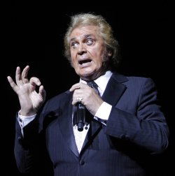 Engelbert Humperdinck performs in concert in Paris