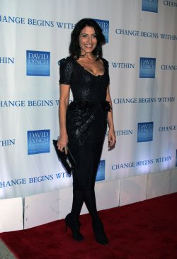 "Lisa Edelstein arrives for the 2nd Annual ""Change Begins Within"" Benefit in New York"