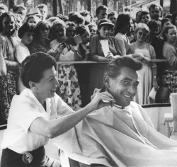 Leonard Bernstein gets a haircut at open air beauty parlor in Moscow