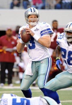 Dallas Cowboys Jon Kitna looks to throw against the Washington Redskins