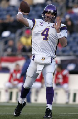 Vikings Favre warms up at Gillette Stadium in Foxboro, MA.