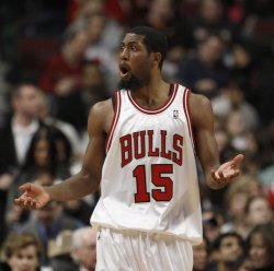 Bulls' Salmons reacts against the Celtics in Chicago