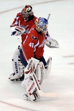 Varlamov replaces Theodore in Washington