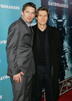 """Ethan Hawke (L) and Willem Dafoe arrive for the premiere of """"Daybreakers"""" in New York"""