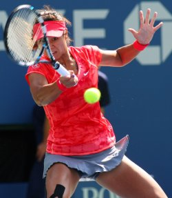Ekaterina Makarova takes on Na Li in the quarterfinals at the U.S. Open in New York