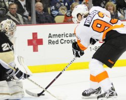 Penguins Fleury Blocks Flyers Voracek shot in Pittsburgh