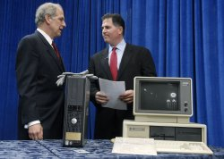 DELL INC. DONATES COMPUTER HISTORY TO THE SMITHSONIAN IN WASHINGTON