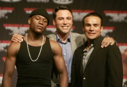 Mayweather Marquez fight is announced