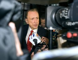 Sen. Arlen Specter votes in the Pennsylvania Primary