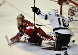 Kings Richards celebrates Penner's ovetime winner in Arizona
