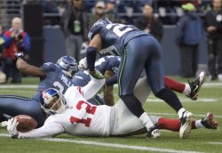 New York Giants wide receiver Steve Smith stretches out for a touchdown against the Seattle Seahawks in the second quarter in Seattle.