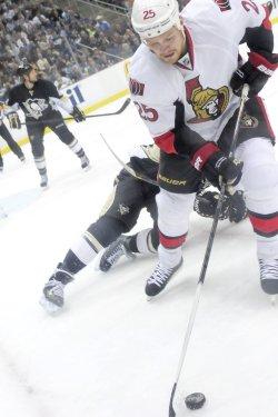 Ottawa Senators Chris Neil in Pittsburgh