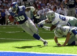 NY Giants defeat Dallas Cowboys 21-17