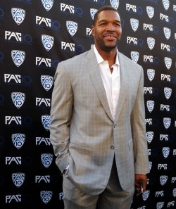 Football analyst Michael Strahan attends FOX Sports/PAC-10 Conference Hollywood premiere night in Los Angeles
