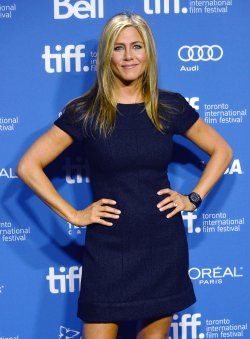 Jennifer Aniston attends 'Life of Crime' press conference at the Toronto International Film Festival