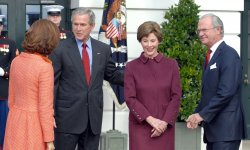 BUSH HOSTS KING AND QUEEN OF SWEDEN