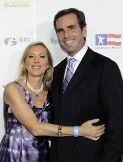 Bob and Lee Woodruff arrive at the Stand Up For Heros Event at the Beacon Theatre in New York