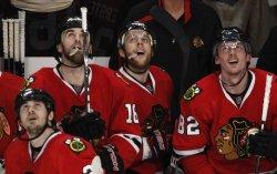 Blackhawks watch Versteeg goal replay in Chicago