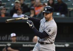 Yankees' Mark Teixeira strikes out swinging