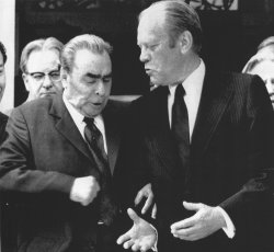Gerald Ford meets with Leonid Brezhnev in Helsinki