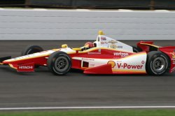 Helio Castroneves qualifies eighth at the Indianapolis Motor Speedway