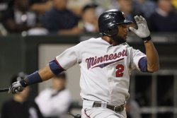 Twins Span doubles against White Sox in Chicago