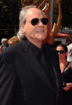 Robert Klein arrives at the Primetime Creative Arts Emmy Awards in Los Angeles