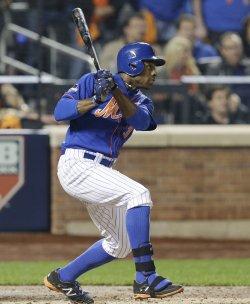 New York Mets Curtis Granderson drives in 3 runs