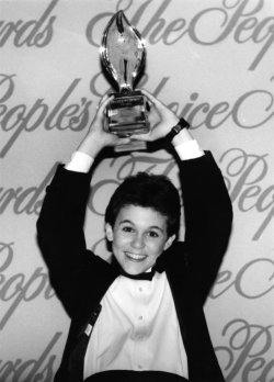 Actor Fred Savage wins a Choice Awards as favorite young TV perfomer