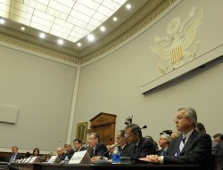 Bank executives discuss TARP fund use in Washington