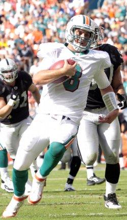 Matt Moore quarterback keeper in Miami