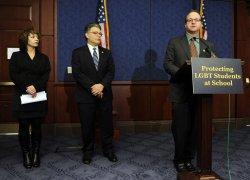 Sen. Franken introduces LGBT protection legislation for students in Washington
