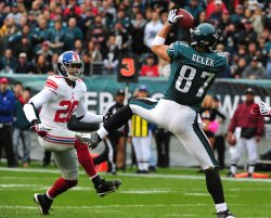 Brent Celek completes a touchdown against the Giants in Philadelphia