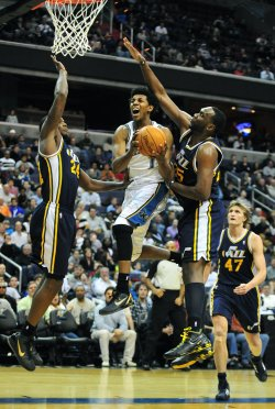 Wizards' Nick Young drives in Washington