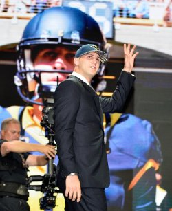 Los Angeles Rams select at NFL Draft in Chicago
