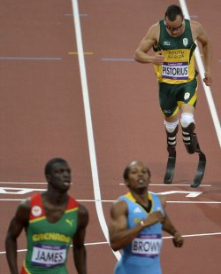 South Africa's Oscar Pistorius finishes last in men's 400m semifinal at 2012 Summer Olympics in London