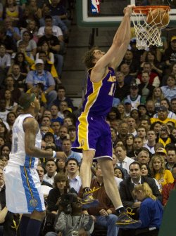 Lakers Gasol Dunks in Denver