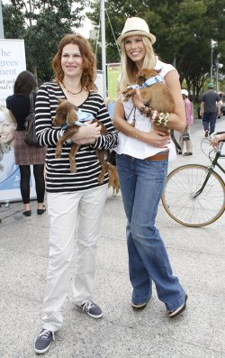 Sandra Bernhard and Beth Ostrosky Stern attend the Celebrity Rescue Rally in New York
