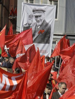 Russian communist and nationalists celebrate an International Labor Day