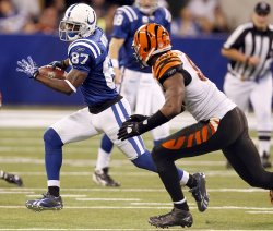 Colts Wayne Runs Against Bengals Johnson