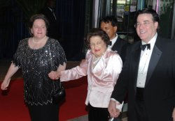 Helen Thomas arrives at the White House Correspondents Dinner in Washington
