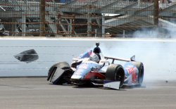 Andretti Crashes Late During Indianapolis 500