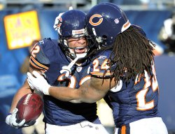 Bears Bell, Barber celebrate touchdown against Seahawks in Chicago