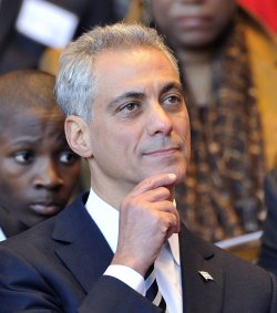 Emanuel listens at inaugural in Chicago