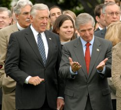 Bush observes moment of silence for 9/11 terrorist attacks in Washington