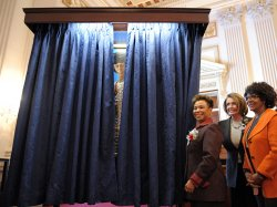 Portrait for first black woman Representative unveiled in Washington