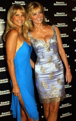 2004 SPORTS ILLUSTRATED SWIMSUIT ISSUE MODELS