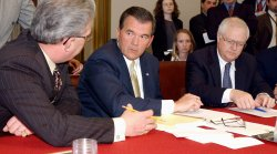 Homeland Security Director Ridge meets with House committee