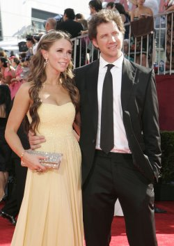 Jennifer Love Hewitt and Jamie Kennedy arrive at the 61st Primetime Emmy Awards in Los Angeles