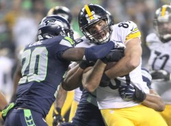 Steelers Spaeth catches pass against Seahawks